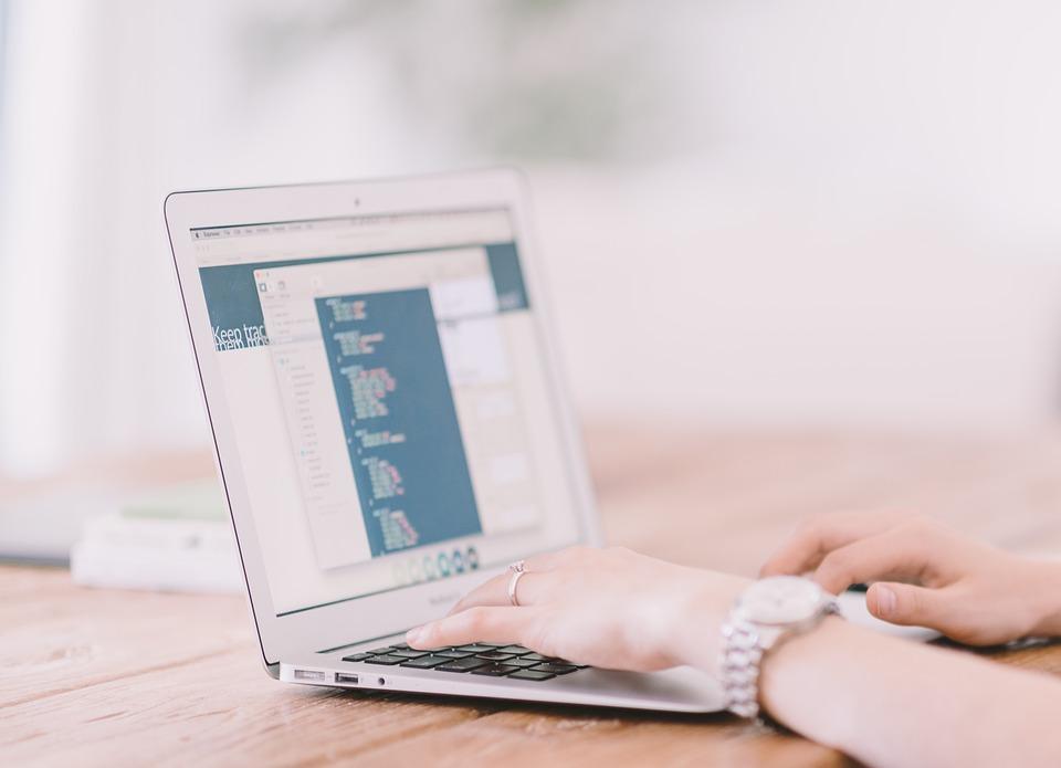 De ce sa caut content writer pentru afacerea mea
